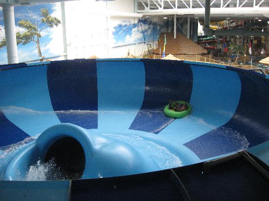 Kalahari Resorts & Conventions: Family Bowl Slide
