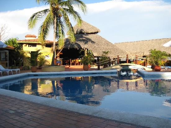 Hotel Plaza Tucanes Manzanillo: Pool at Plaza Tucanes