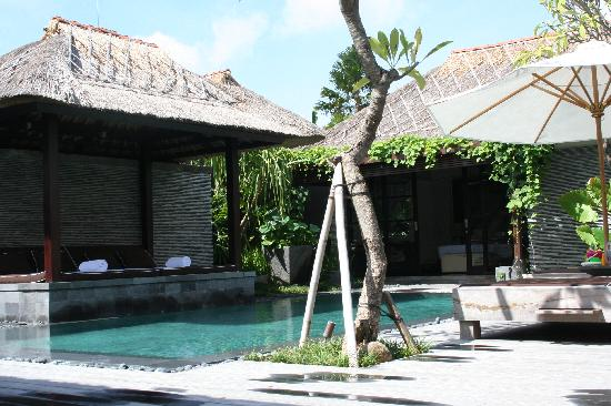 Peppers Seminyak: The pool area