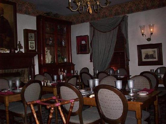Haunted Rooms At The Farnsworth House Inn Gettysburg