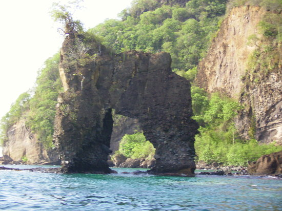 Saint-Vincent : The Pirate Rock used in Pirates of the Caribbean