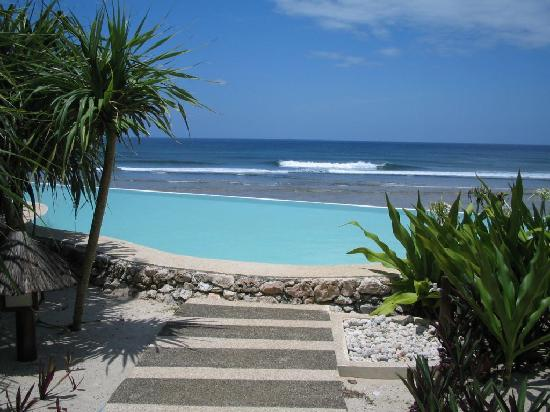 Calicoan Island: surf camp