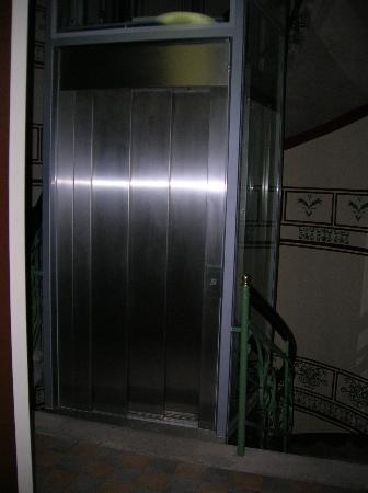 Red Brick Apartments: Elevator