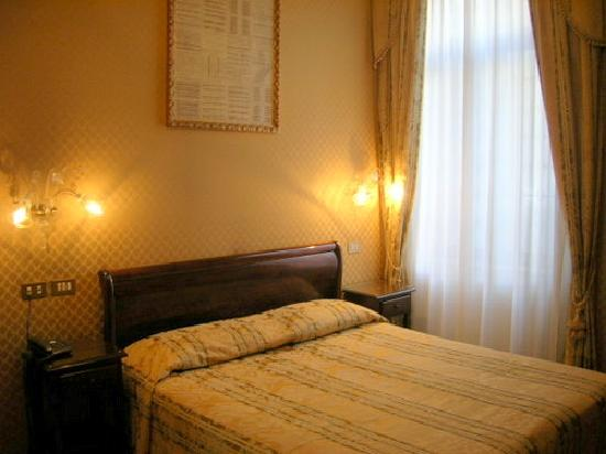 Arco Antico Guest House: nice room