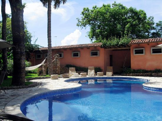 Los Almendros De San Lorenzo: pool