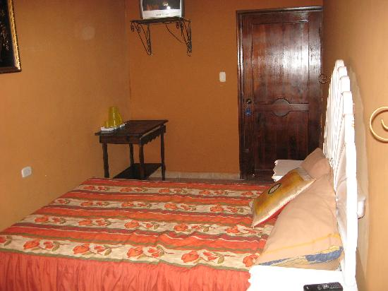 San Pedro Sula, Honduras: Single room, with A/C and TV