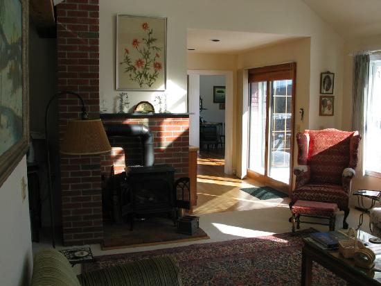 Pleasant Street Inn Bed & Breakfast: A glimpse of the formal livingroom...
