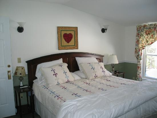Pleasant Street Inn Bed & Breakfast: Room #5 - The Ultimate Luxury