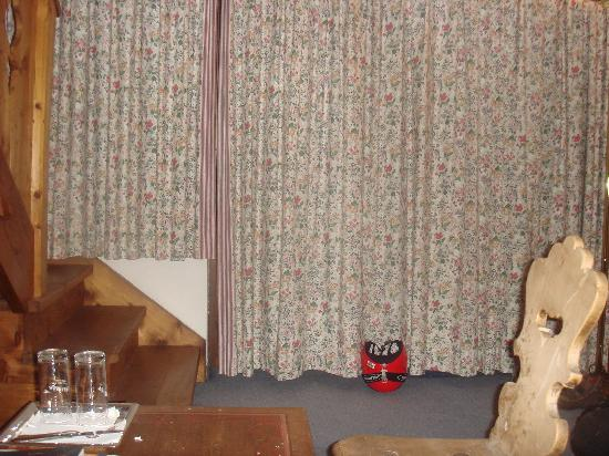 Brunnenhof Hotel: wohzimmer
