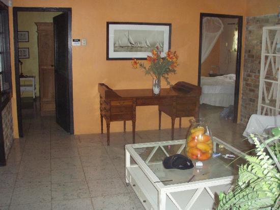 Sun Reef Village: Livingroom