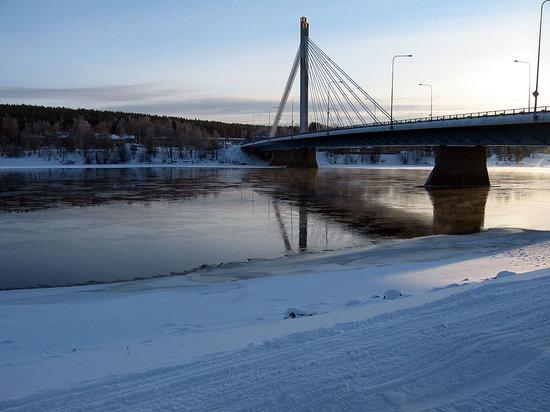 Santa's Hotel Santa Claus: Rovaniemi bridge