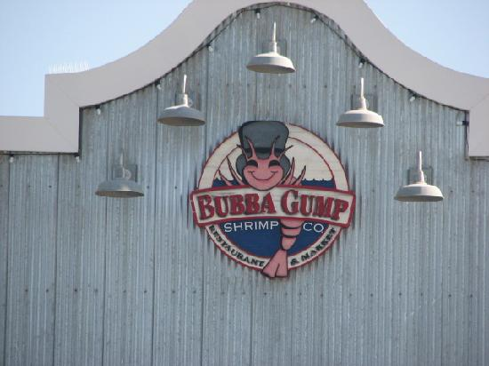 Bubba Gump Shrimp Co.: Bubba Gump sign on building