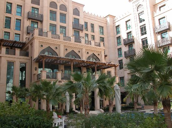 Qamardeen hotel dubai picture of vida downtown dubai for Tripadvisor dubai hotels