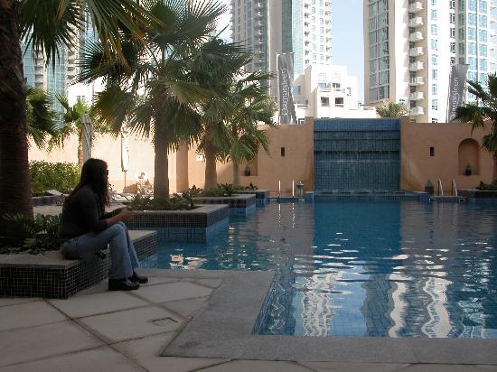 Vida Downtown: Qamardeen Hotel Swimming Pool