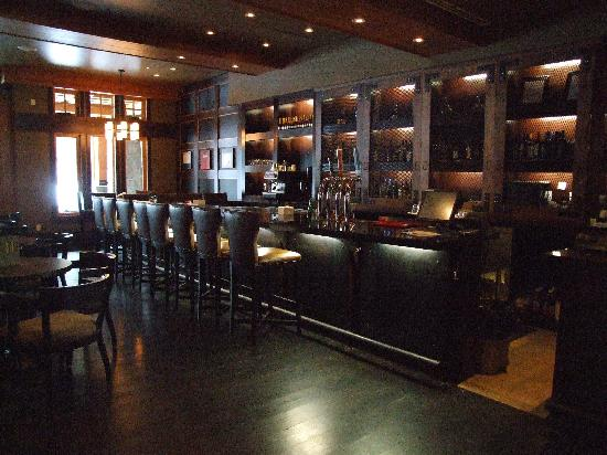 Nita Lake Lodge: Bar