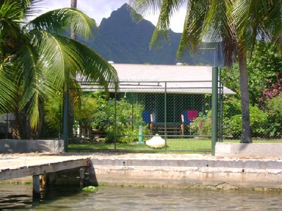 Pension Marie Lou : pension taken frm lagoon