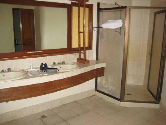 Sabin Resort Hotel: Bathroom