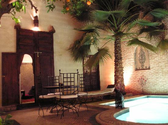 Riad Amira : Aladin room off courtyard
