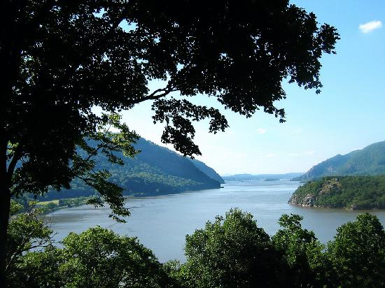 Holiday Inn Express Hotel & Suites West Point : View of Hudson River at West Point