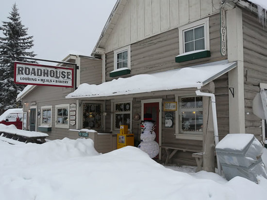 Front View of Talkeetna Roadhouse