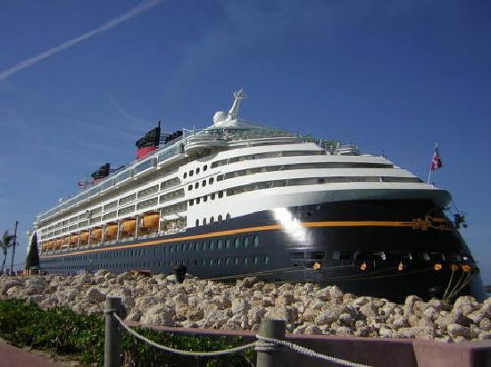 Castaway Cay: The Boat