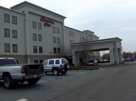 Hampton Inn Linden : Hotel Linden front ansicht