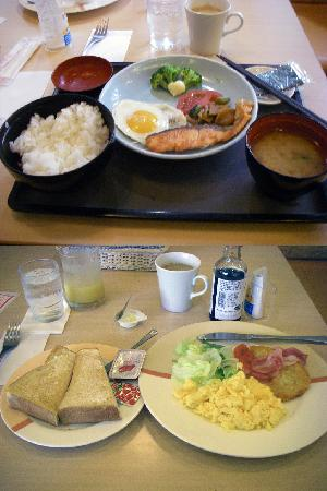 Tokyu Stay Gotanda: Grilled Salmon Set (Top) & Scrambled Egg Set (Bottom)