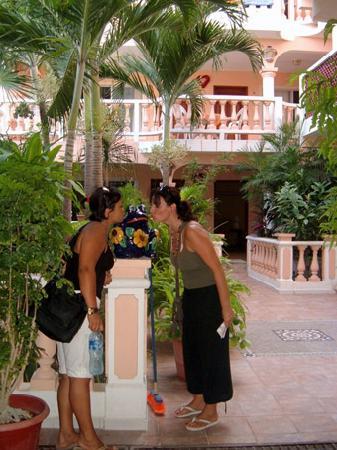 Francis Arlene Hotel: entrata alle camere