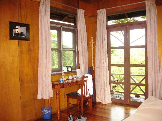 Sepilok Forest Edge Resort: Inside the chalet
