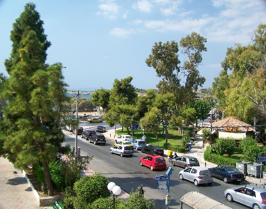 Hotel Miramare: View from my balcony to the busy road.