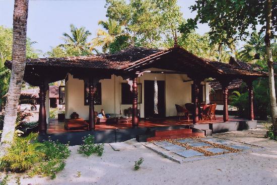A Beach Symphony: Khombu house