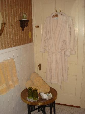 The II Georges Inn: Fluffy robes and more in June's Bathroom.