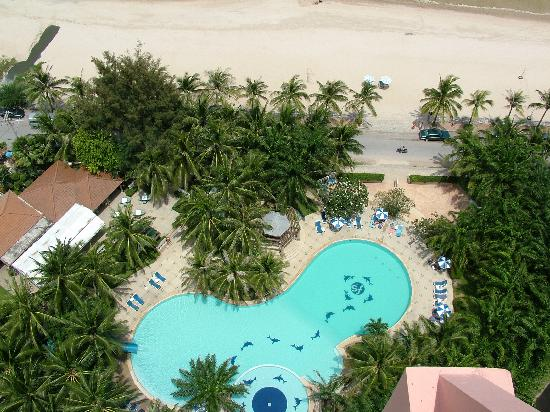 Springfield Beach Resort: View of pool from the hotel roof