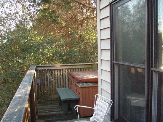 High Meadows Inn: Cottage Suite - Private Deck w/ Hot Tub