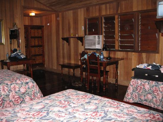 Windy Hill Resort : inside the cottage