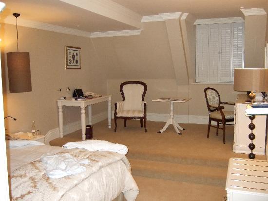 Hayfield Manor Hotel: Bedroom in Hayfileld Manor