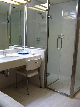 Howard Beach Resort Kenting: Hotel Bathroom