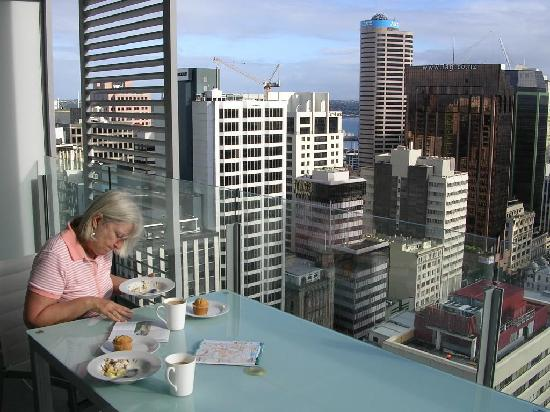Centr L Precinct Apartment Hotel Inium Reviews Auckland New Zealand Tripadvisor