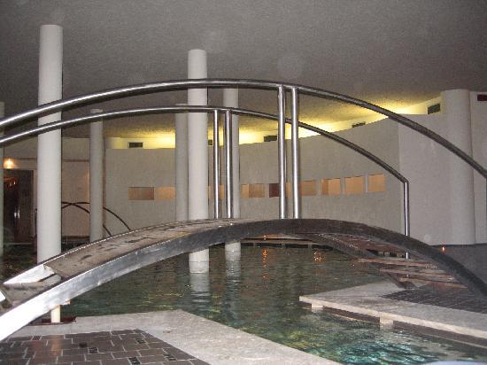 Villasanpaolo: piscina di villa san paolo