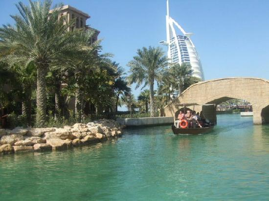 Jumeirah Mina A'Salam: A relaxing trip on the Abra