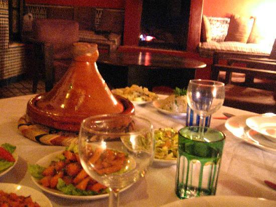 Riad Tizwa Fes: dinner