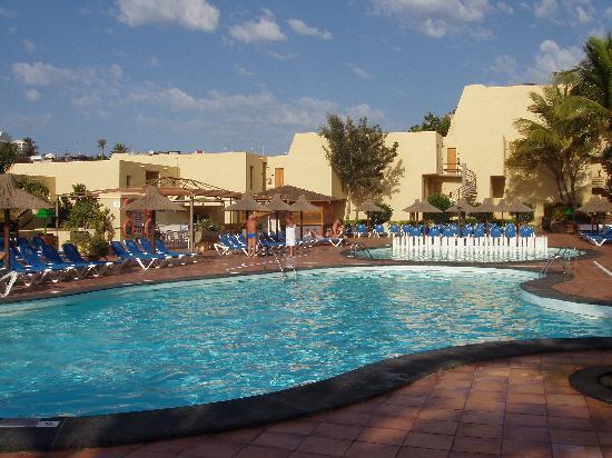 Sol Jandia Mar Apartments : Pool Area