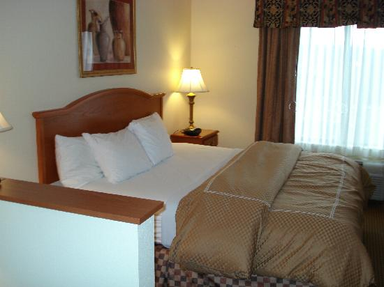 Comfort Suites Wytheville: Our beautiful SOFT bed