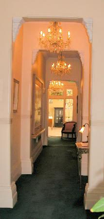 Manor House Boutique Hotel Sydney: Manor House Hotel Hallway (March 2005)