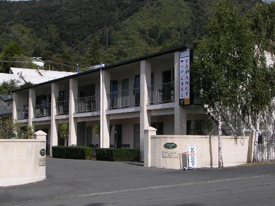ASURE Jasmine Court Motel: Exterior