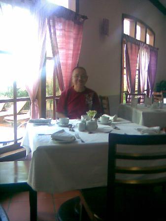 Steung Siemreap Thmey Hotel: breakfast time