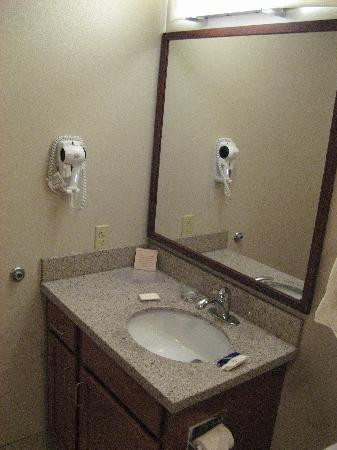 Candlewood Suites Olympia/Lacey: bathroom