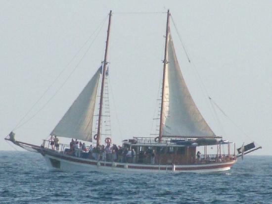 Paphos boat trip boat