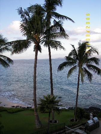 Kamaole Nalu Resort: View from Balconey