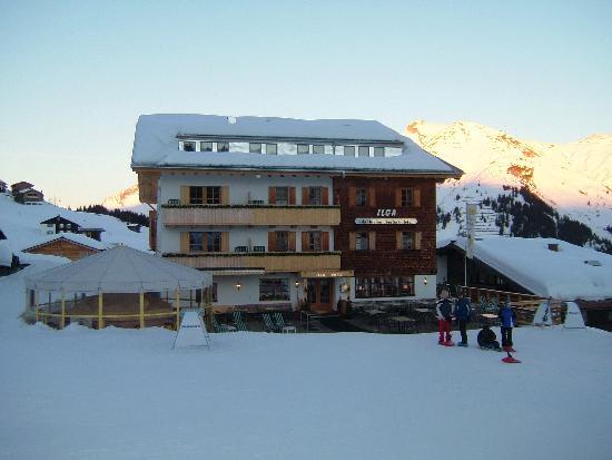 Hotel Ilga: Front of hotel